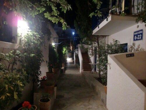 Panormo kreta, kirki Village in de avond