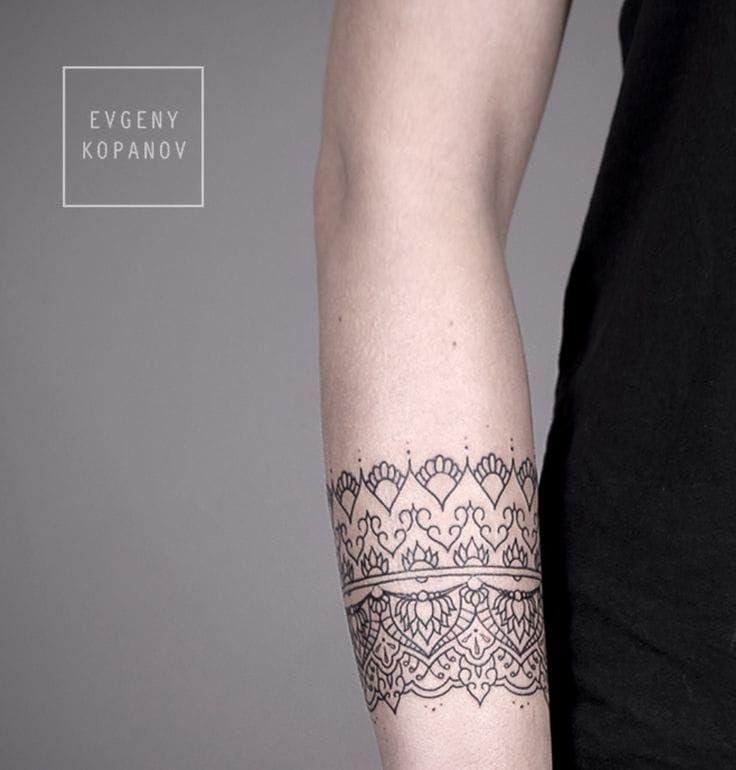 16 Elegant Wristband Tattoos