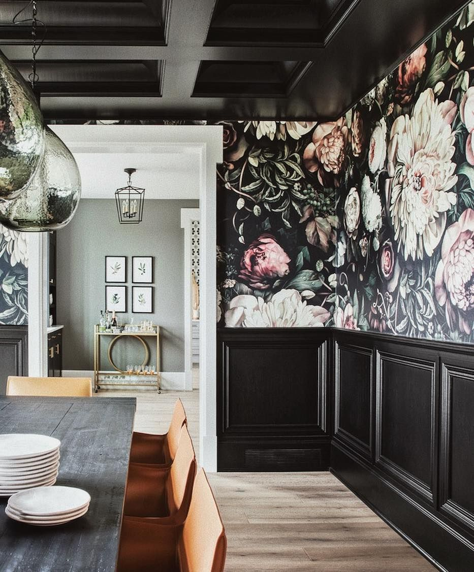 Ellie Cashman Design On Instagram The Entry Of This Home Was So Bright And White We Knew Dark Dining Room Apartment Dining Room Dramatic Dining Room Colors