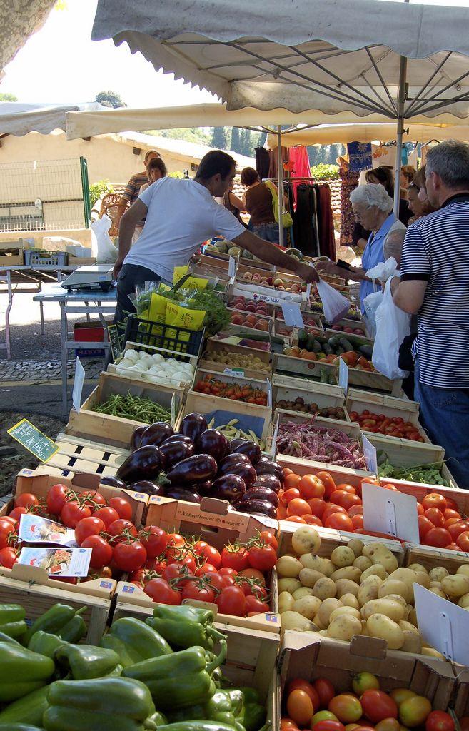 Cucuron Market Jour de marché, Luberon et Provence