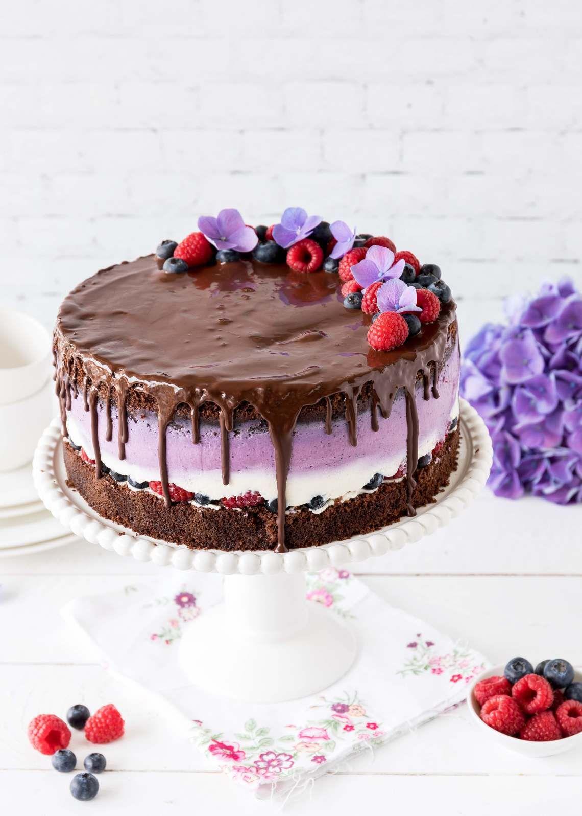 Schokoladen Beeren Torte Emma S Lieblingsstucke Beeren Torte Blaubeer Torte Hochzeitstorte Beeren