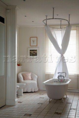 Rustic Cottage Bathroom