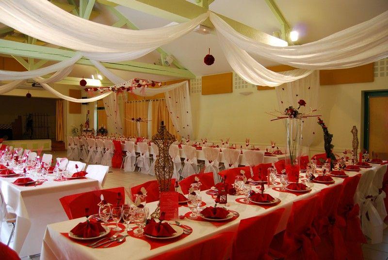 salle des f tes d coration rouge et blanche mariage rouge et blanc pinterest mariage rouge. Black Bedroom Furniture Sets. Home Design Ideas