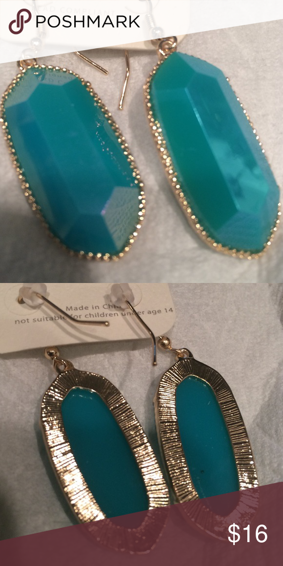 Beautiful deep turquoise blue color earring. These look just like Kendra scott earrings elle size. Lighter weight and so adorable. Price is right. Jewelry Earrings