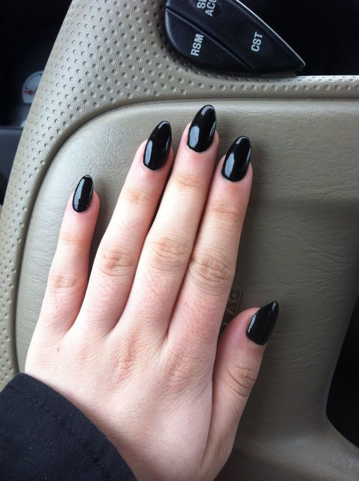 27 Stylish Short Almond Shaped Nails Design Ideas Oval Acrylic Nails Black Almond Nails Oval Nails