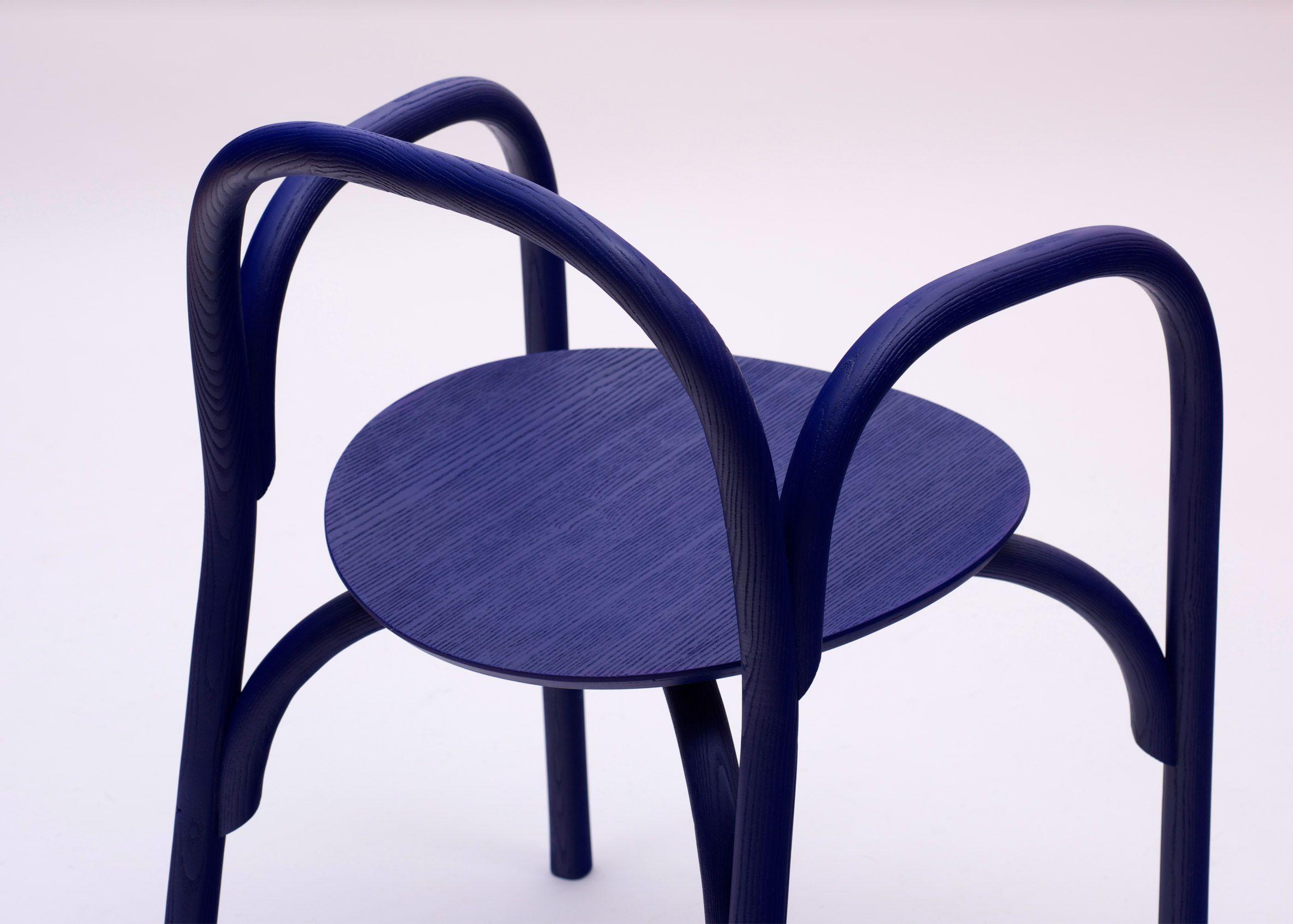 Samuel Wilkinson creates minimal chair using steam-bent wood chair ...
