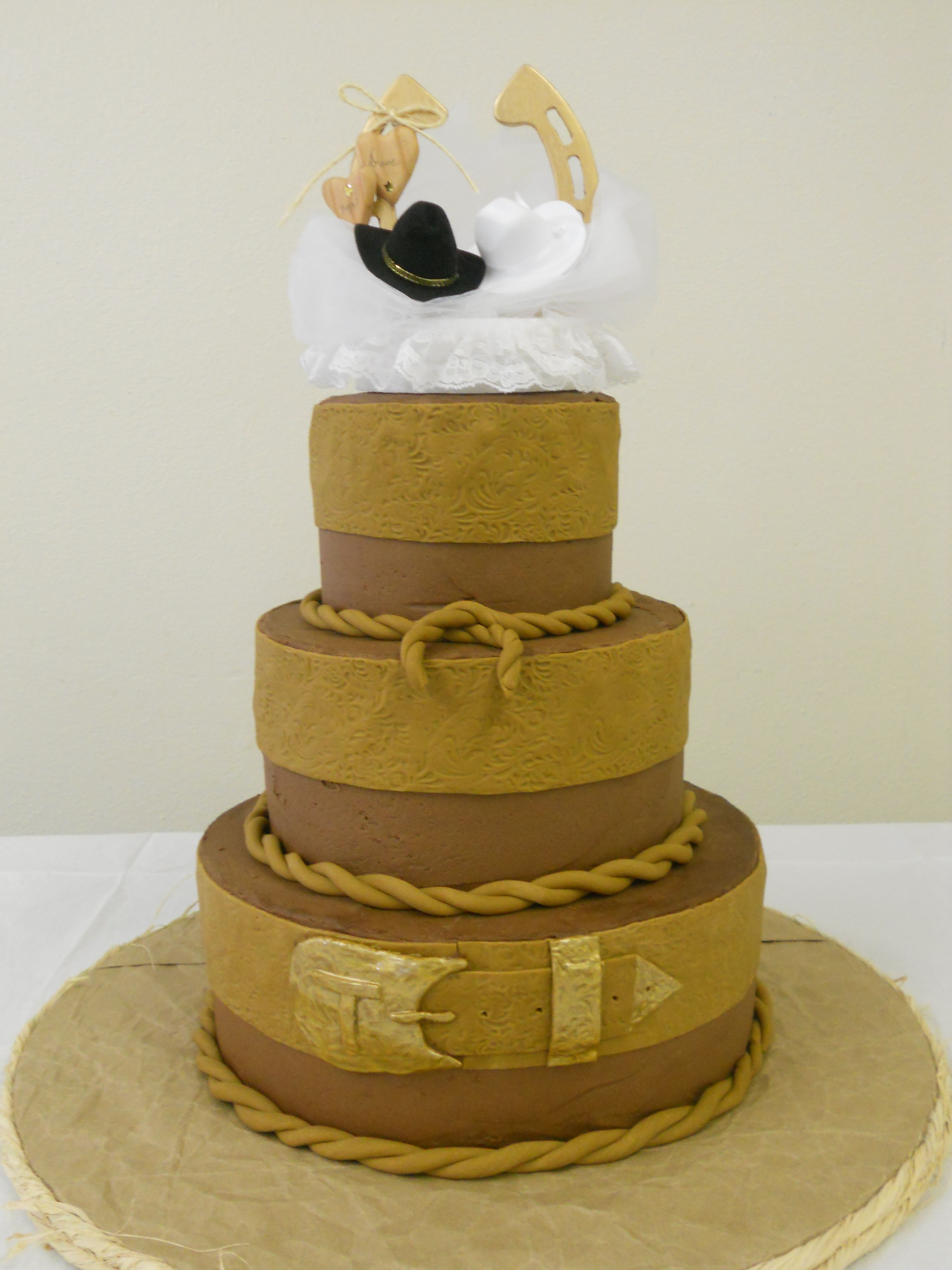 Western wedding cake.. don\'t like the yellow but it\'s changeable ...