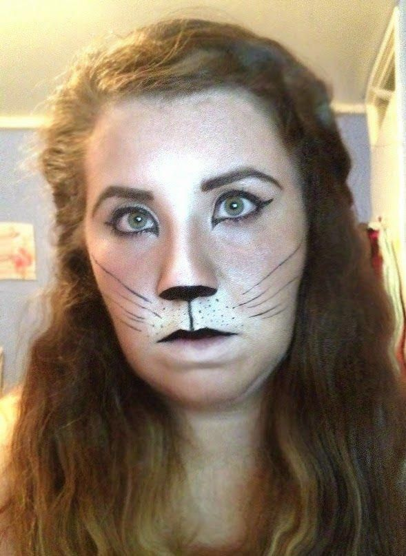 #colorful #photooftheday #cute #picoftheday #beautiful #pretty #friends #cool #portrait #skirt #dress #styleseat #fashiondaily #fashionbags #fashionpria A Halloween Cat Makeup Look using only everyday makeup such as: Bronzer Eyelin
