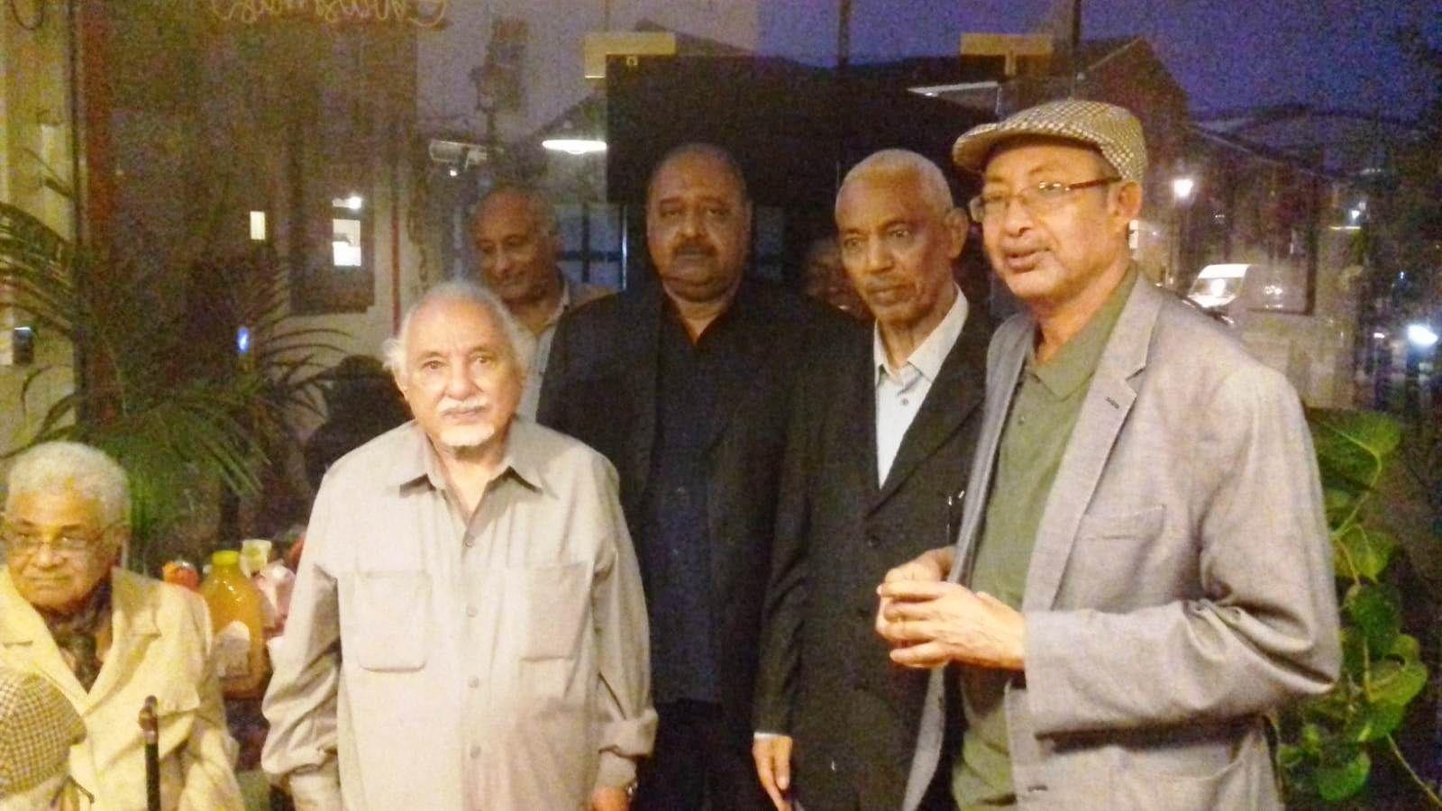 بالصور: شخصيات لندنية تودع رمضان وتحتفي بالأستاذ أحمد بدري