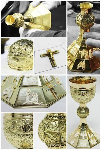 Cálice em ouro e marfim executado para a Santa Casa da Misericórdia do Porto, pela ocasião da celebração dos seus 515 anos | Chalice made in gold and ivory to Santa Casa da Misericórdia for the celebration of its 515 anniversary.