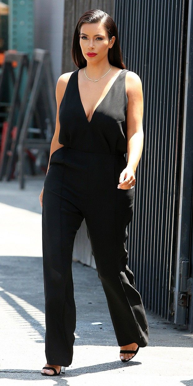 03d98cf9ef1 Kim Kardashian Is Minimalist Chic In All Black (WhoWhatWear.com ...