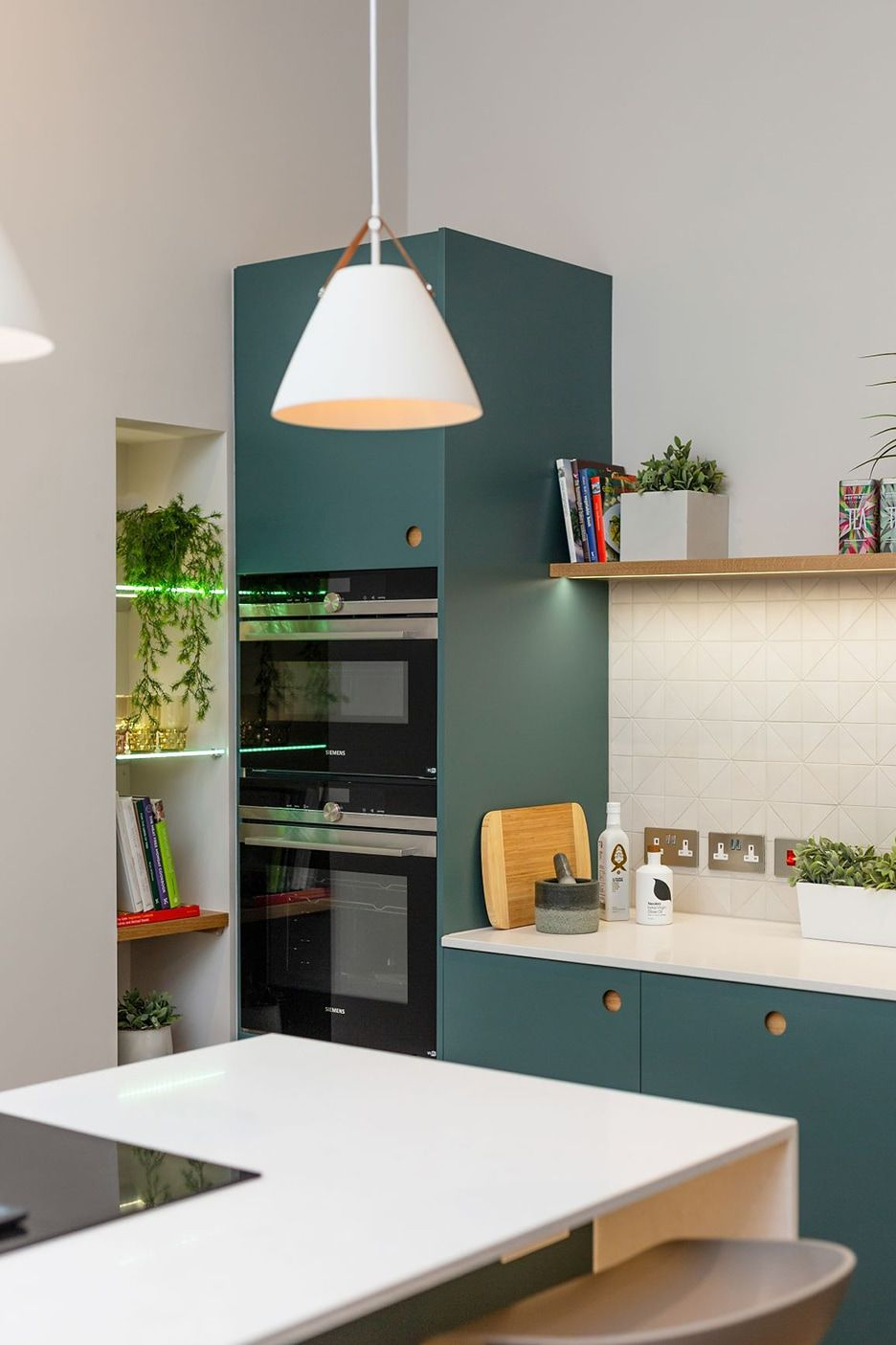 The Top Kitchen Cabinet Brands According To Your Style In 2020 Top Kitchen Cabinets Kitchen Cabinets Brands Kitchen Tops