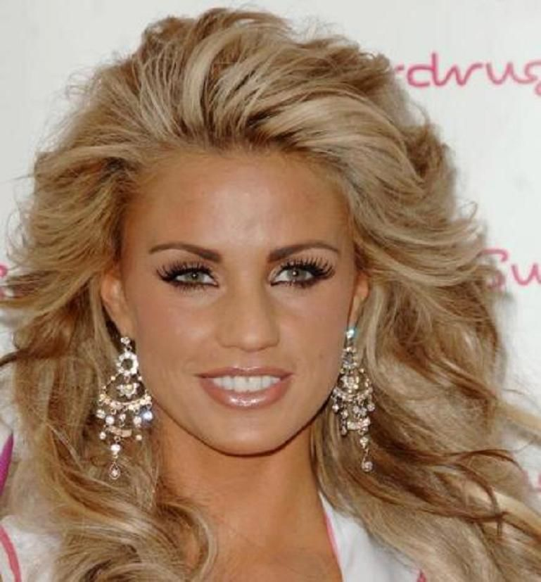 Katie Price S Blonde Hairstyle With Chunky Light Brown