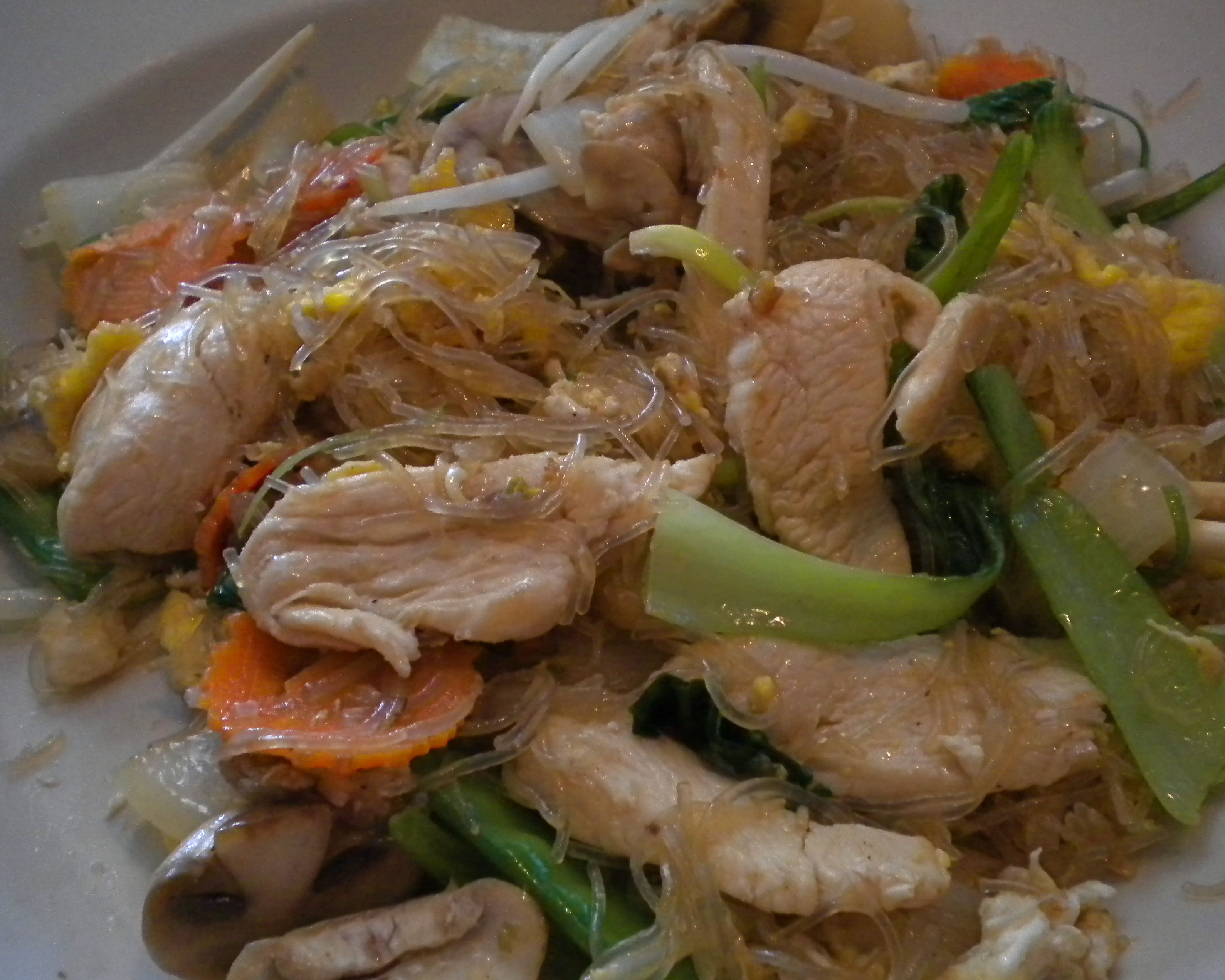 Mama Thai S Fabulous Pad Woon Sen Chicken With Clear Noodles With Images Asian Recipes