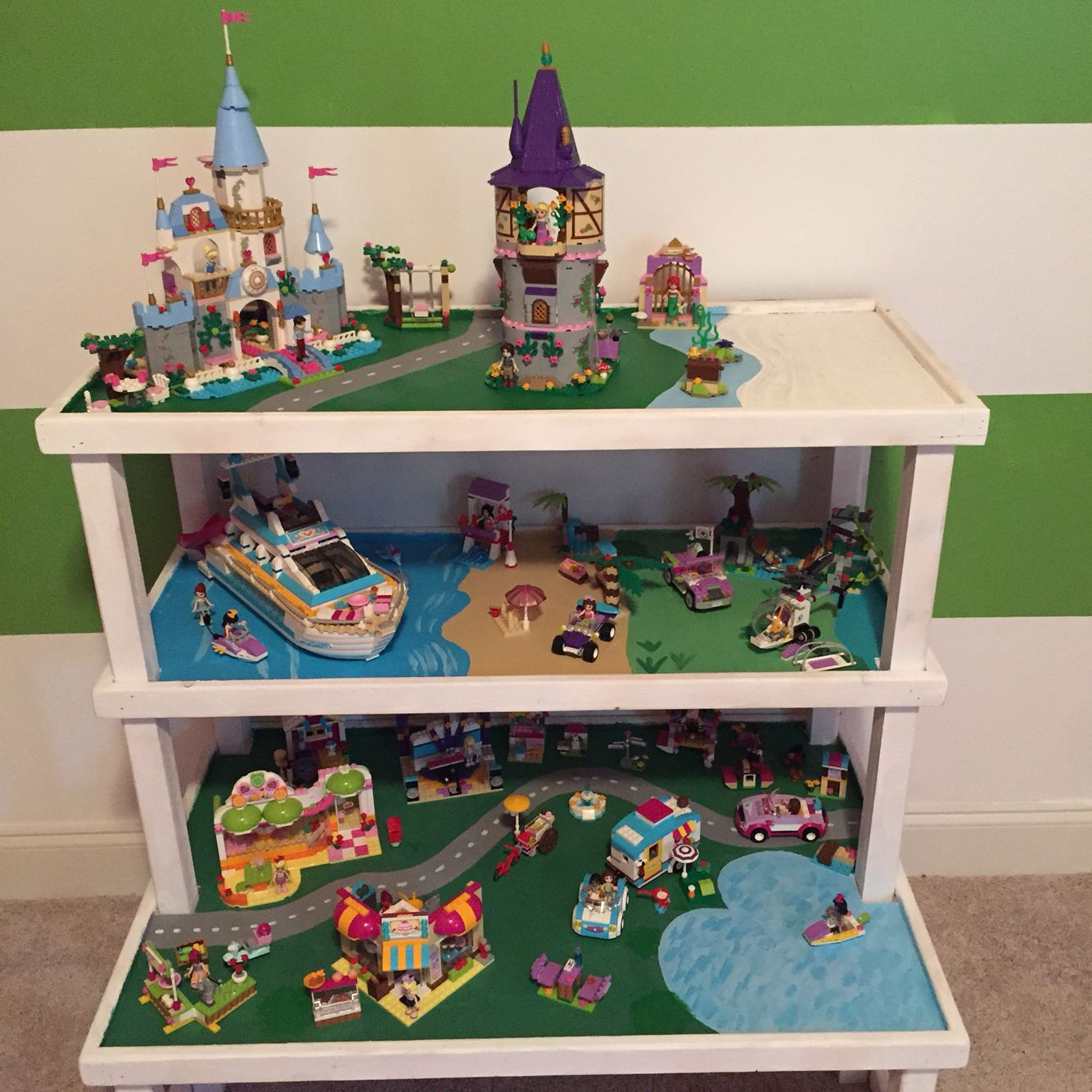 custom lego friends table also with space for lego disney princess sets my creations. Black Bedroom Furniture Sets. Home Design Ideas
