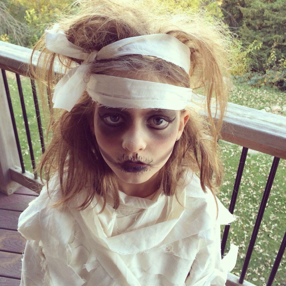 Kid's Mummy makeup and homemade mummy costume. Mummy
