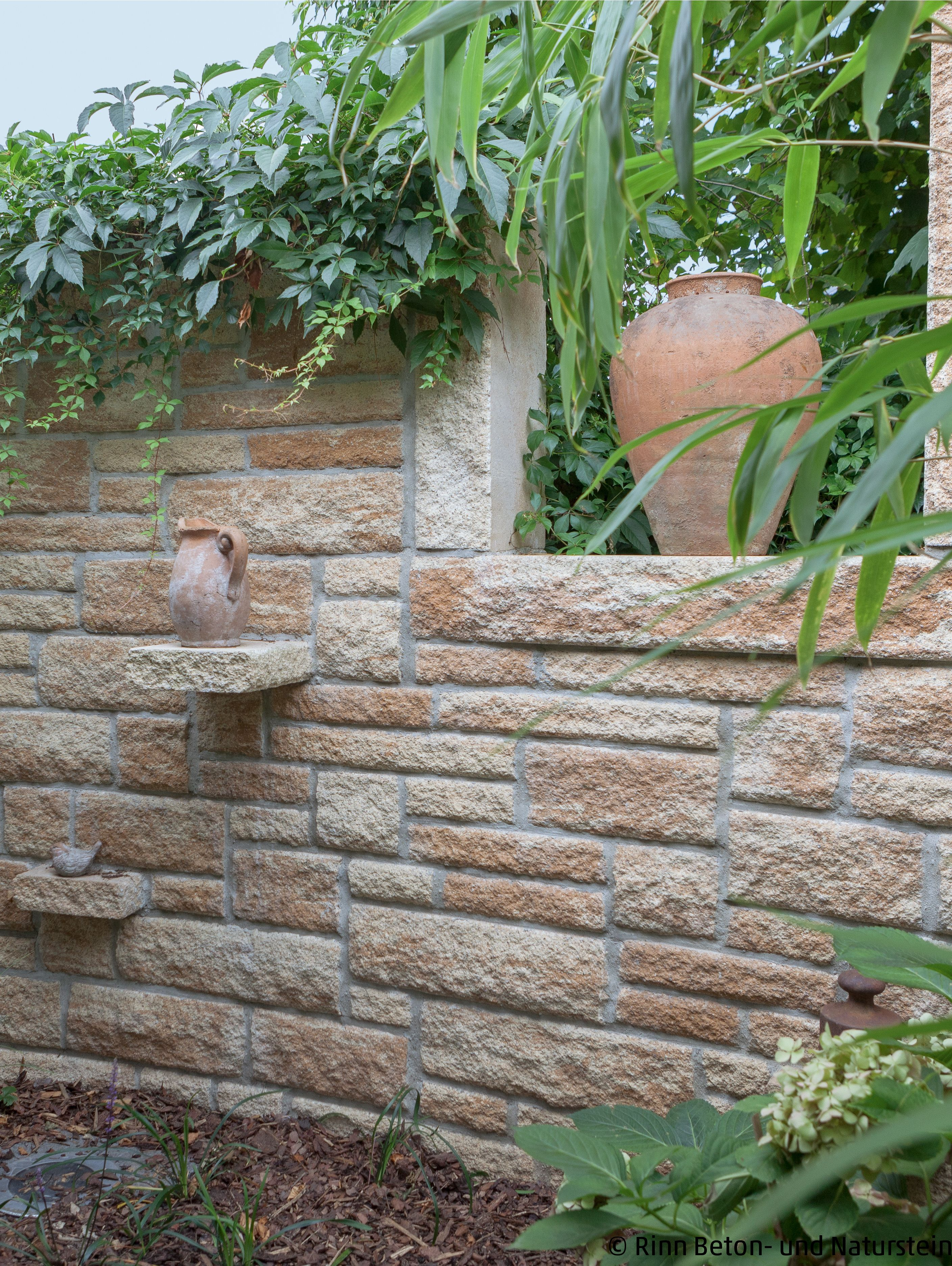 Mediterrane Mauer In 2020 Gartengestaltung Ideen Garten Garten Design