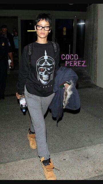 c3cf79011e33 Rihanna wearing Timberland boots