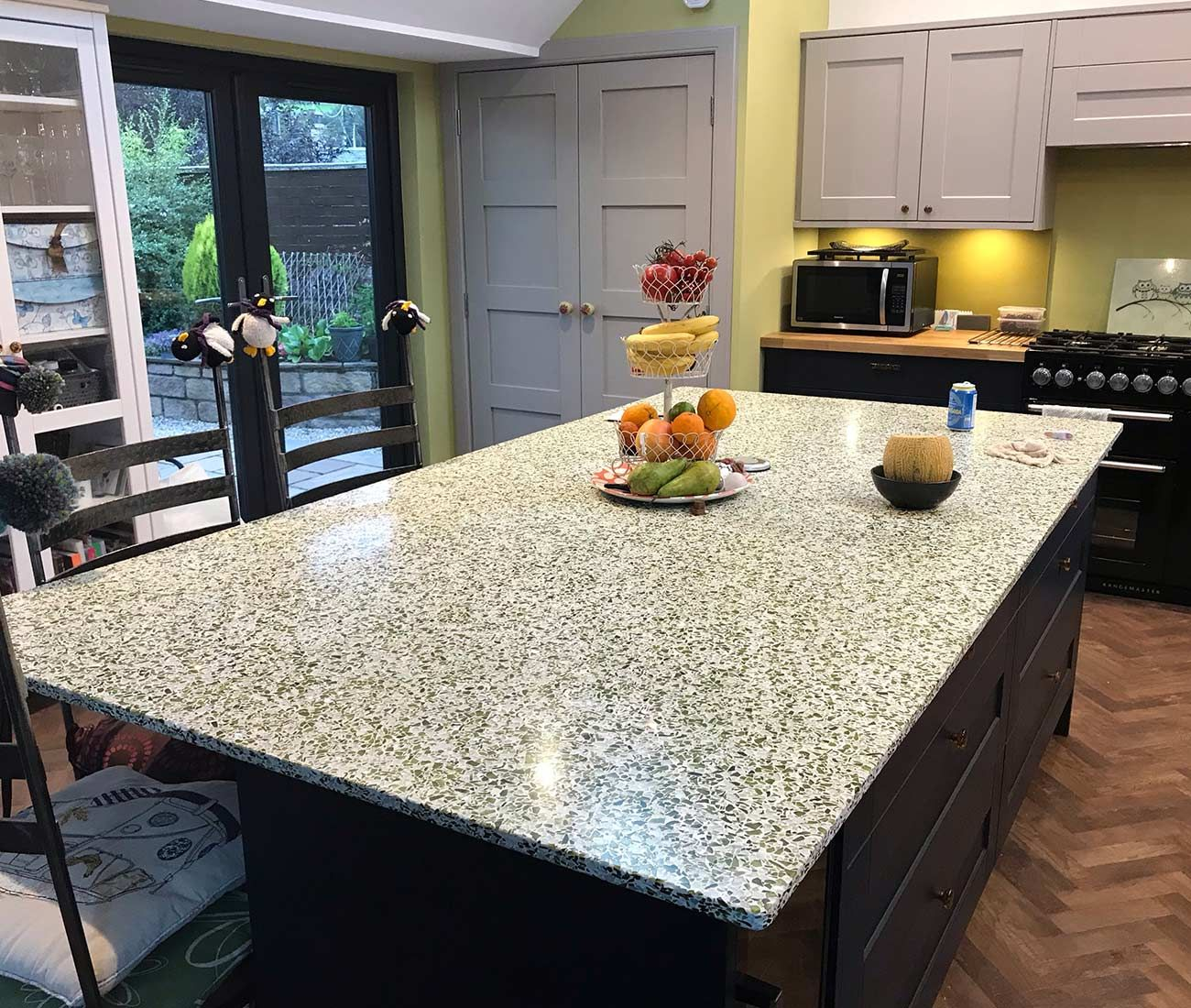 Kitchen Islands DIAMIK GLASS Recycled Glass Worktops