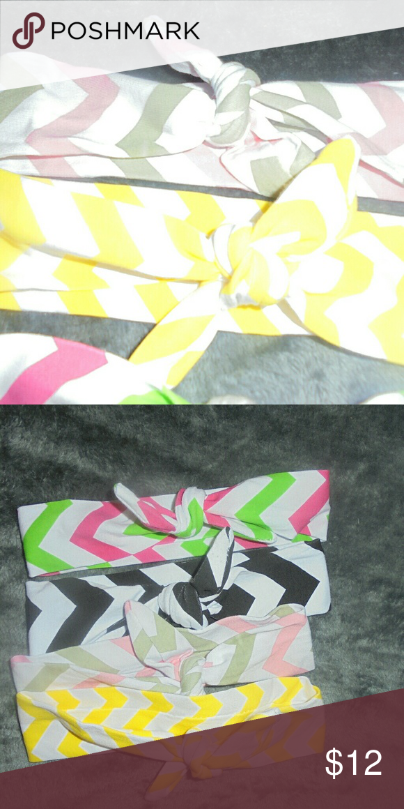 Set of 4 Chevron knotted headbands Cute set of 4 Chevron knotted headbands new without tags Accessories Hair Accessories
