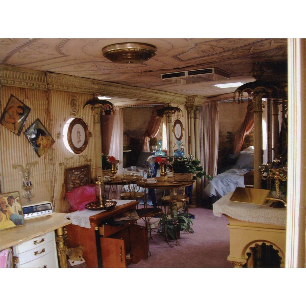 Elizabeth Taylor's lavish studio—customized dressing room