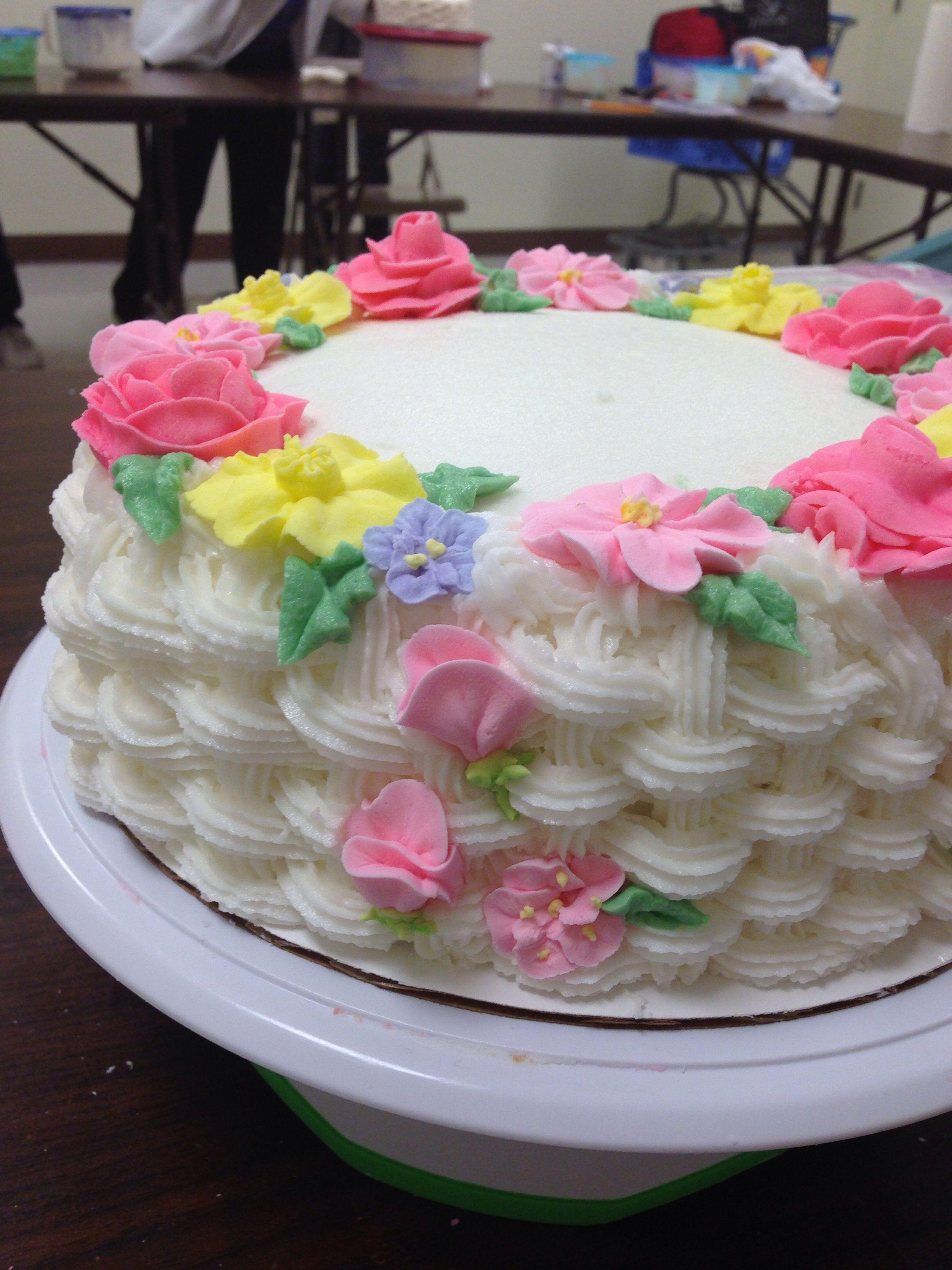 Basket weave cake   Cake decorating, Cupcake cakes, Basket ...