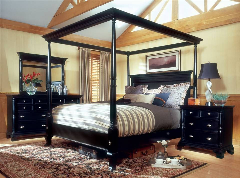 Contemporary Black Bedroom Furniture Set - Nightfly by Rossetto