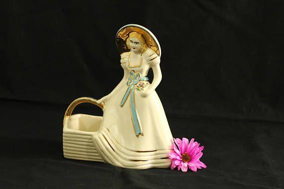Hull Art USA   Vintage Hull Pottery   Southern Belle Vase #954   Hull Basket Planter Glazed   Figural Hull Vase #dressesfromthesouthernbelleera