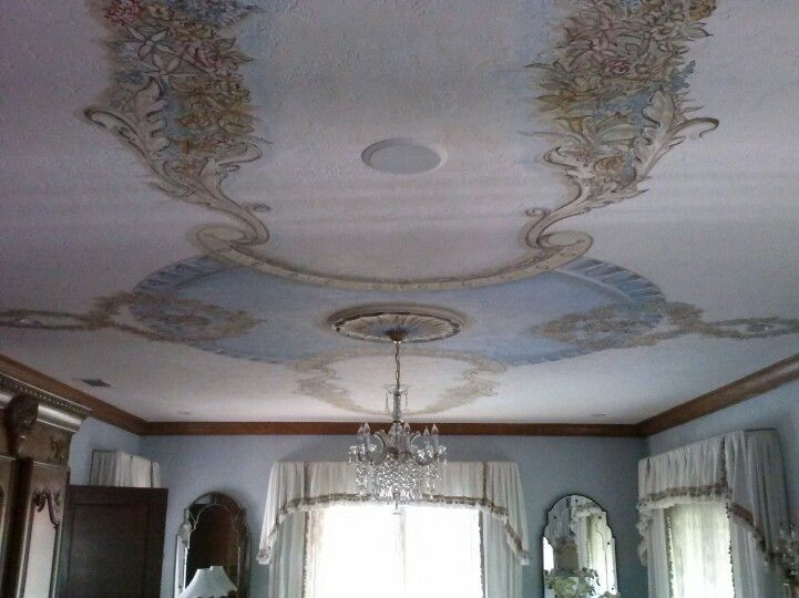 Floral ceiling in the French style, by Donzine. 2008.