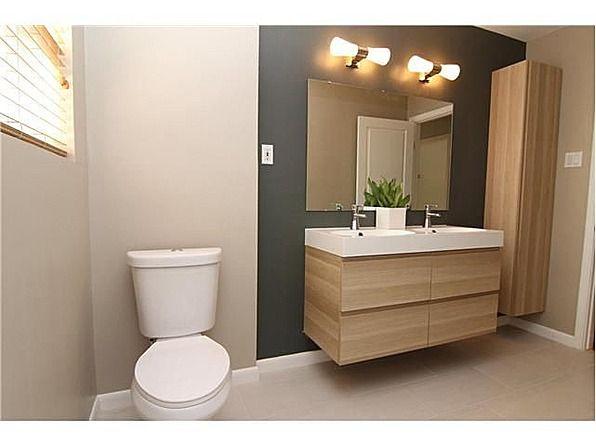 GODMORGON ikea Mur gris (plus clair) meuble bois, surface lavable