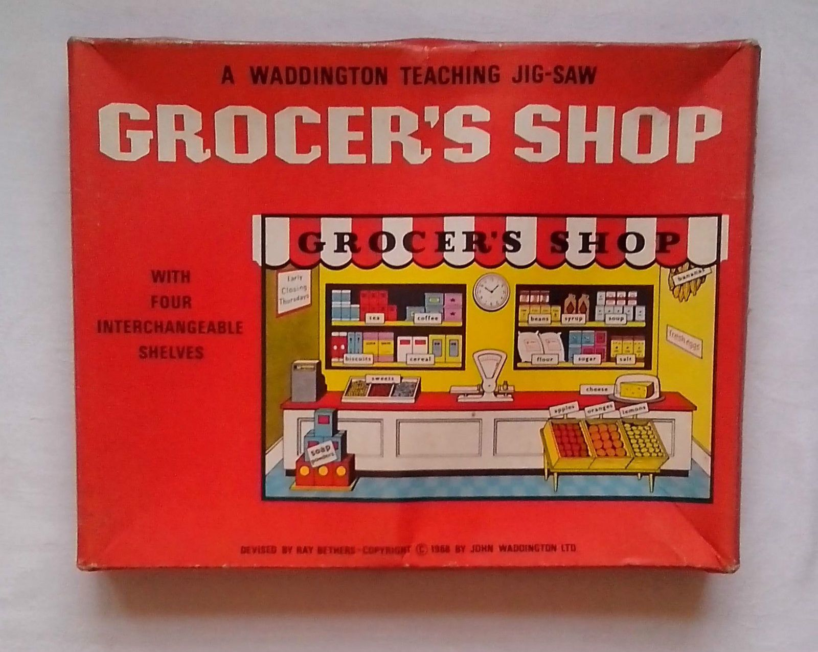 Waddington Teaching Jigsaw puzzle GROCER S SHOP 1968 vintage