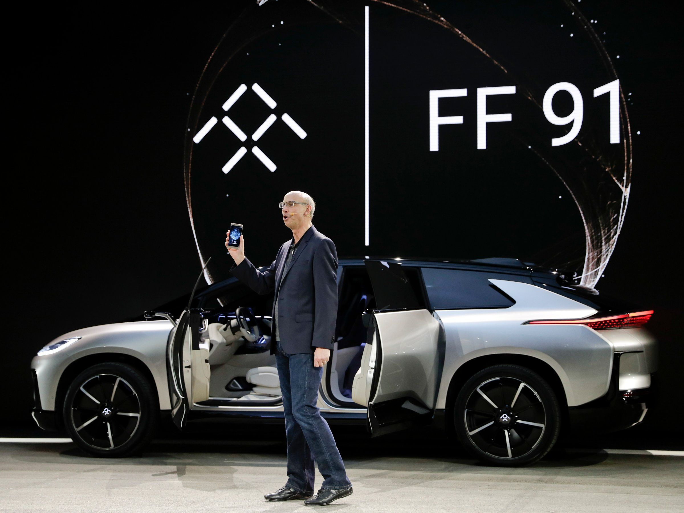 Troubled electric car startup faraday future is trying to raise 1 billion raising