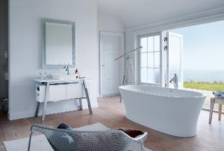 Cape Cod; la s�rie de salles de bains de Philippe Starck & Duravit l�ve les barri�res entre l'ext�rieur et l'int�rieur : la nature devient partie int�grante de la salle de bains.