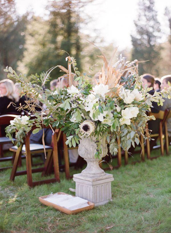 winter-ceremony-urn-arrangement-palmetto-fronds