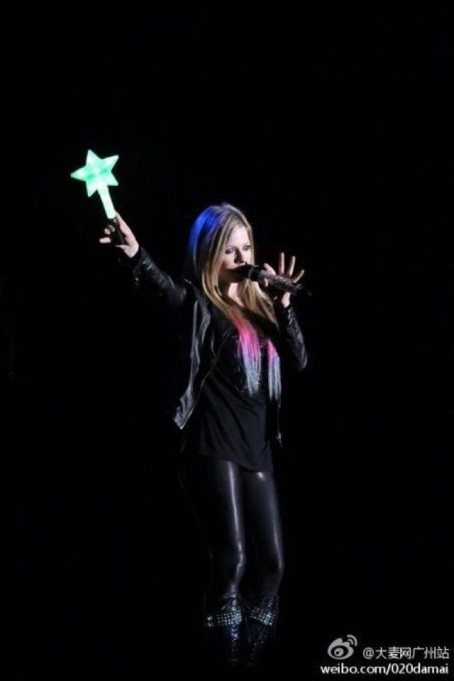 Para começar com o pé direito aqui nessa nova rede social uma linda foto da Avril Lavigne ♥