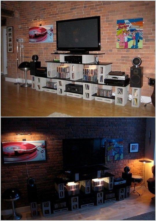 Novedoso detalle de un centro de tv y sonido hecho con bloques de hormigón.