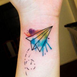 tatuaje avion de papel color - Buscar con Google