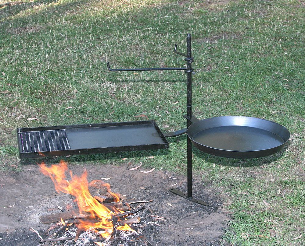 Australian Made Swing Away Campfire Cooking Kit With 1m