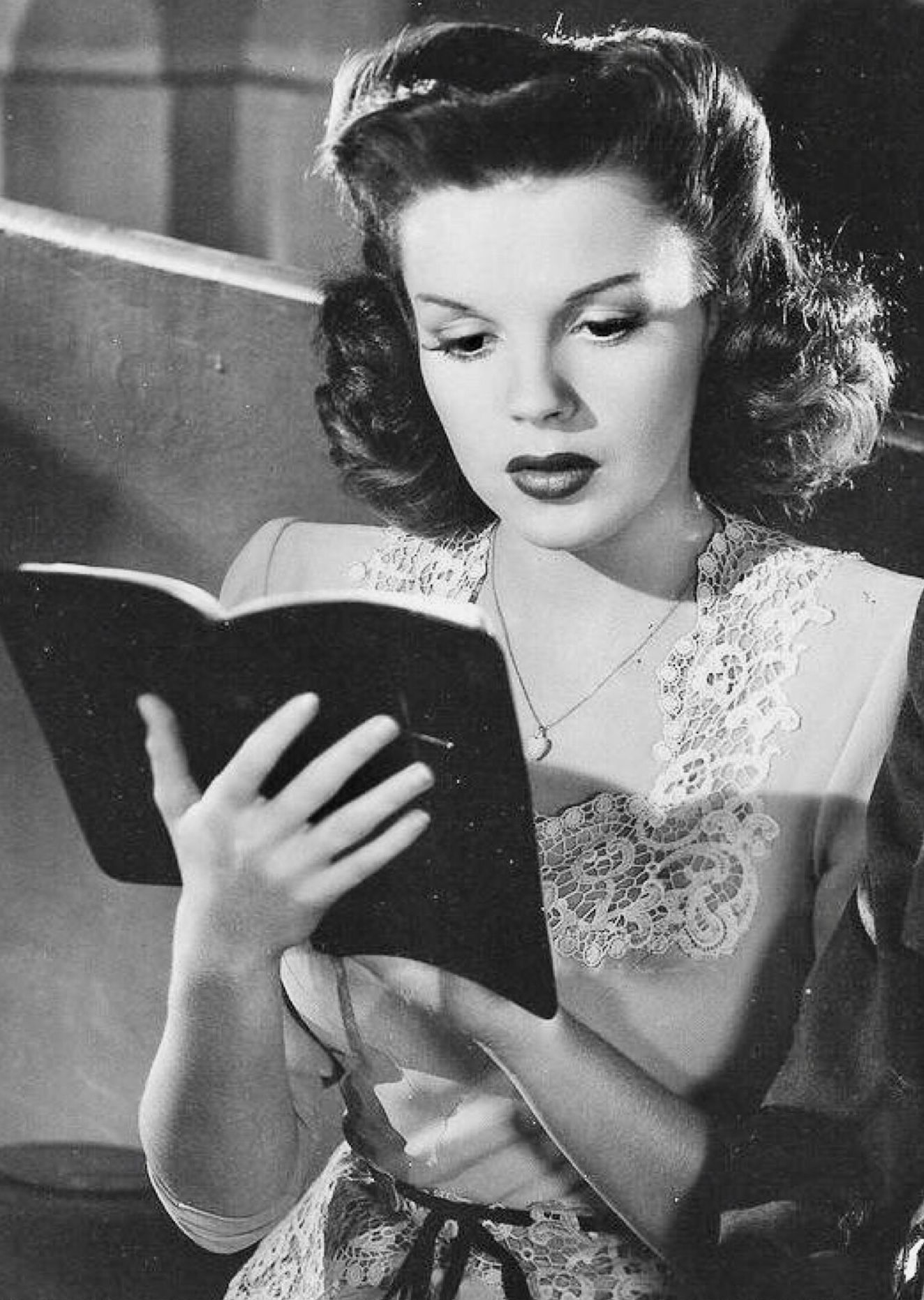 """Judy Garland looking absolutely gorgeous in """"The Clock"""" (1945 ..."""
