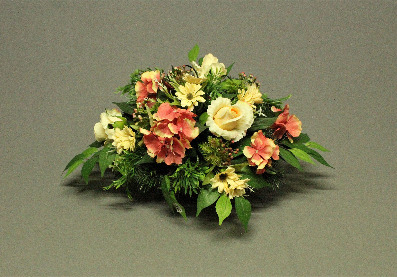 Dekoracja Nagrobna Kwiaty Sztuczne Dekoracja Na Pomnik Stroik Na Grob Dekoracje Cmentarne Swieto Zmarlych Dekoracje Zalobne Floral Floral Wreath Wreaths