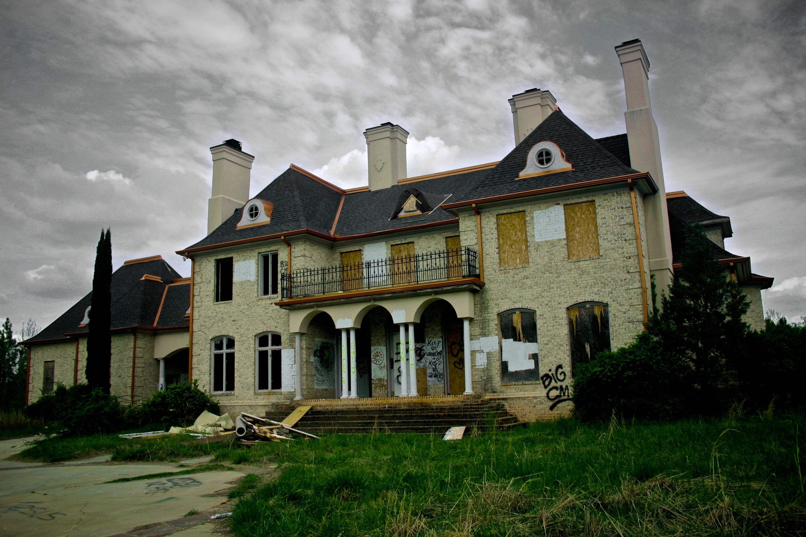 Abandoned 1920's Mansions for Sale | Abandoned Mansions In
