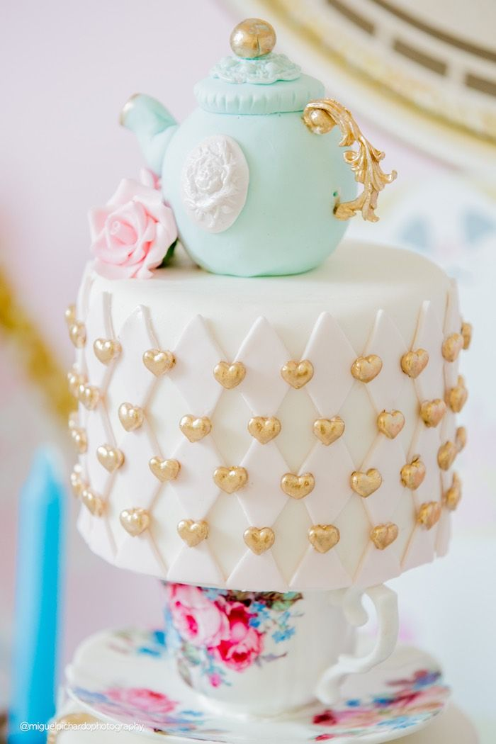 Tea Kettle Cake from a Pastel Glam