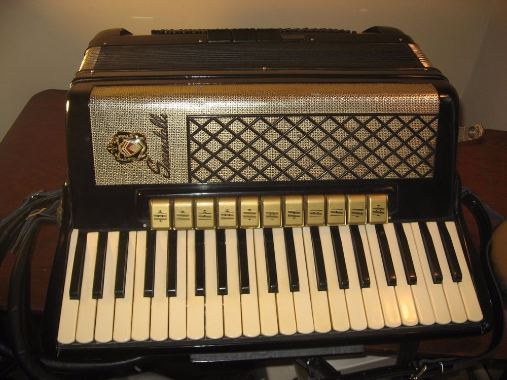 1940 wurlitzer accordion dating
