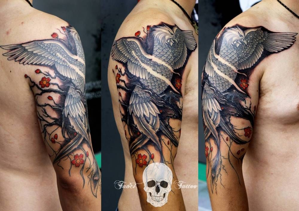 Tatuaje Del Ave Fenix En El Brazo Derecho Tatuajes Pequenos De