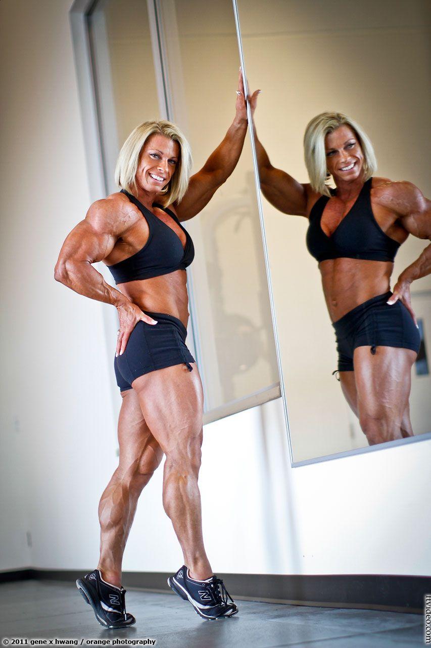 Fabiola Boulanger   Body building women, Muscle women ...  Fabiola Boulanger Abs