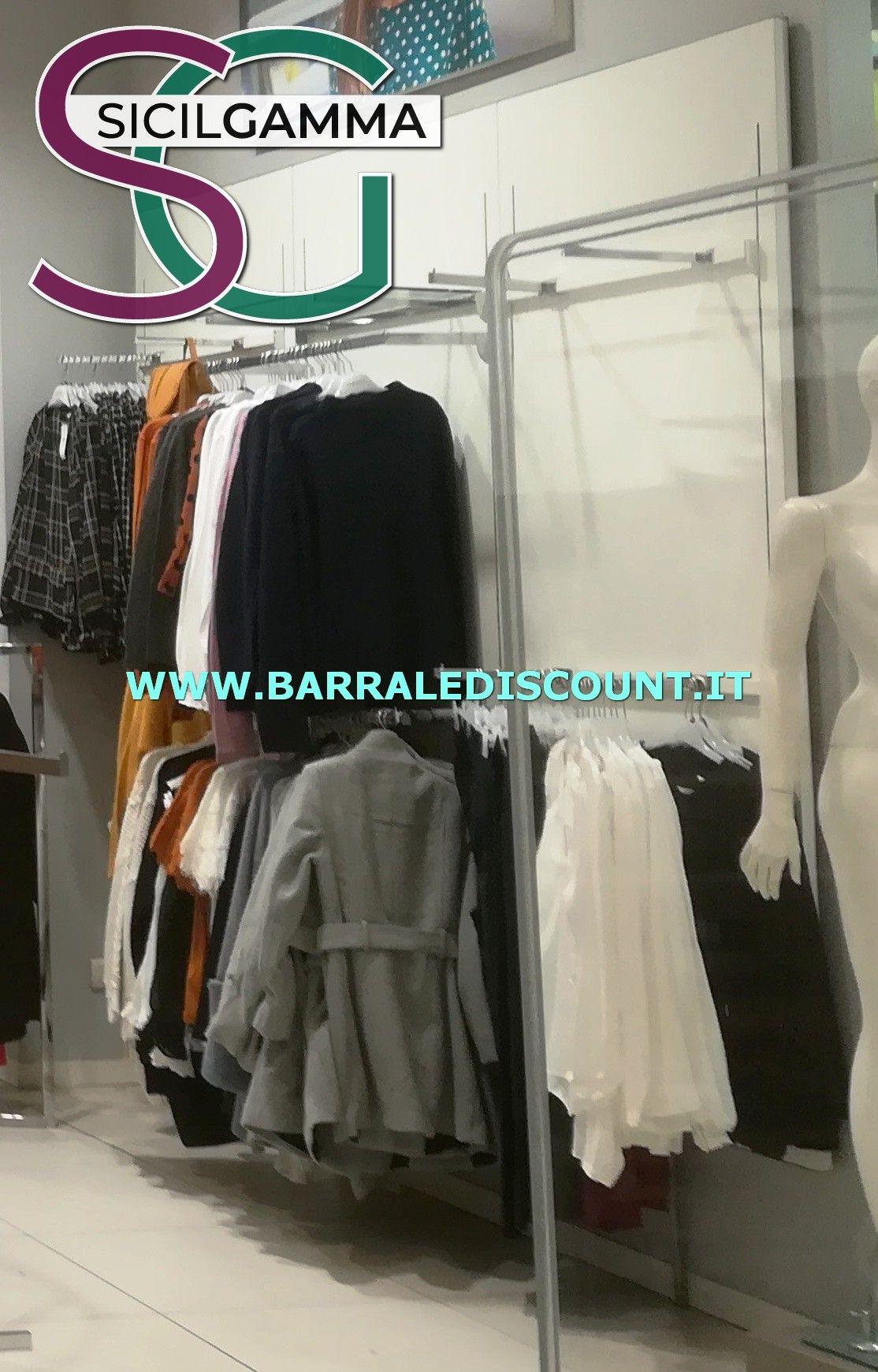 0fcaedef84 ARREDO ABBIGLIAMENTO   Esposizione Di Negozio   Wardrobe rack ...