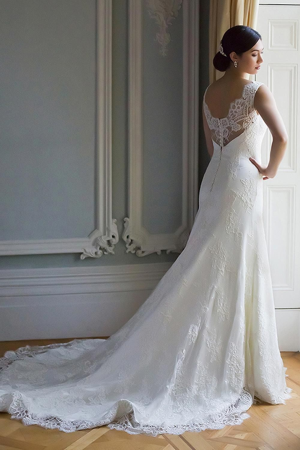 It S All About That Back With Augusta Jones Bridal Wedding Dresses Find Wedding Dress Gorgeous Wedding Dress [ 1500 x 1000 Pixel ]