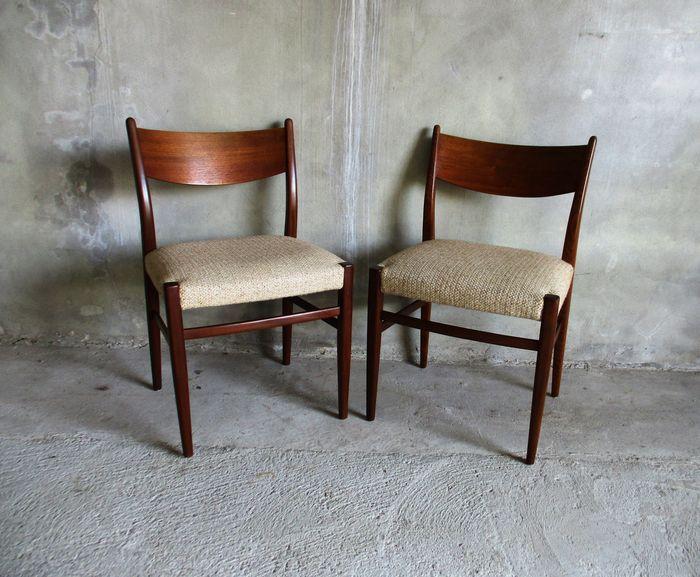 Online veilinghuis Catawiki: 2 eetkamer stoelen in teak Deense stijl ...