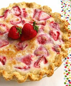 Summer Strawberry Sour Cream Pie #sweetpie