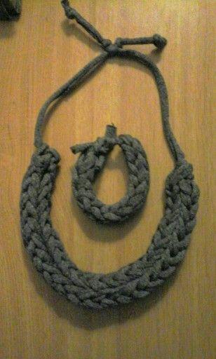 Conjunto gris (pulsera y collar)